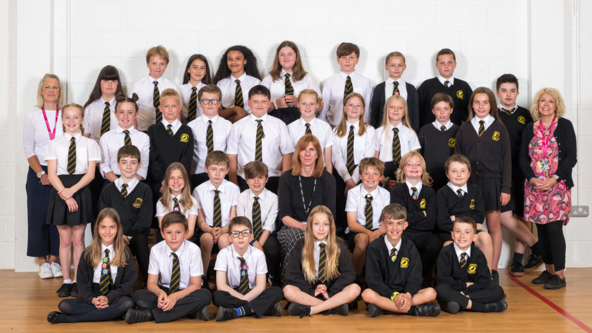 Yr4 and Yr6 class photos for download
